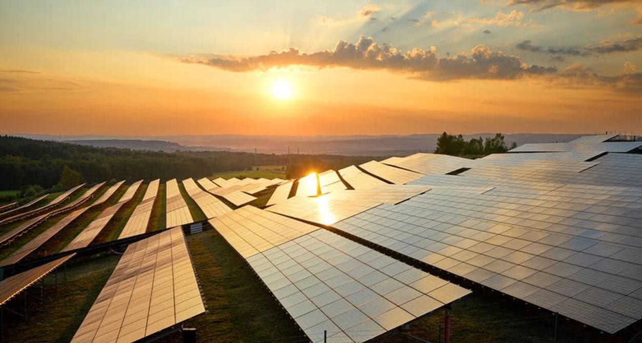 Nowe plany źródeł energii i systemów do 2050 roku w Polsce i w Europie.